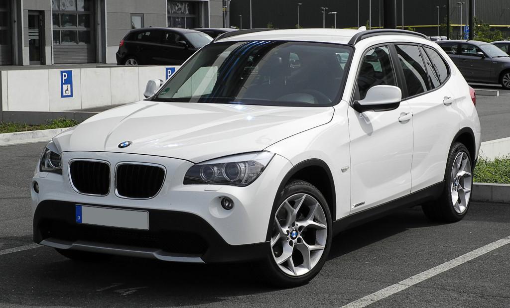 BMW_X1_xDrive18d_(E84)_–_Frontansicht,_12._Juni_2011,_Düsseldorf